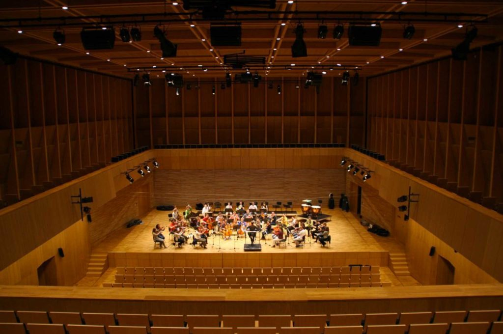 Konzertsaal des Pendereckizentrums